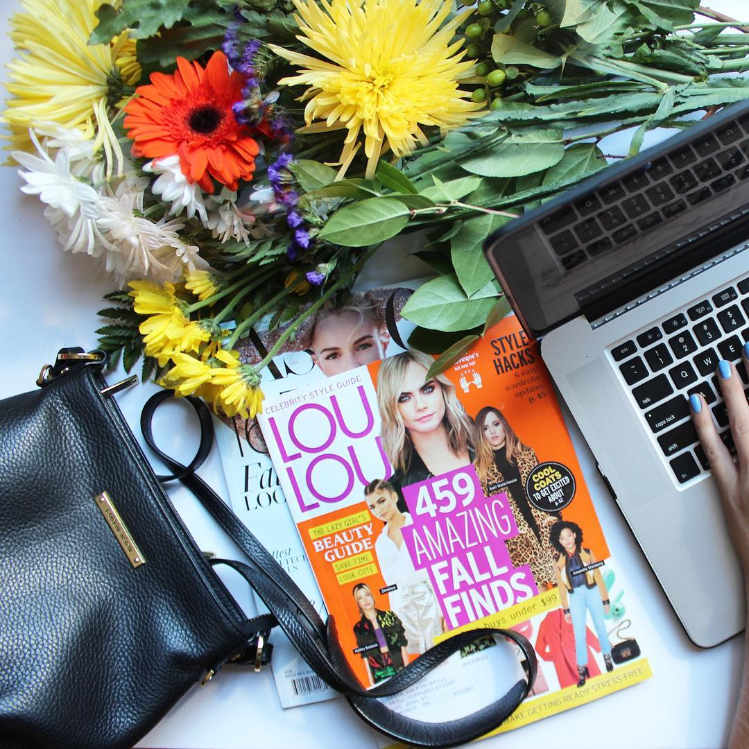 Desks should always be this colourful midweektreat