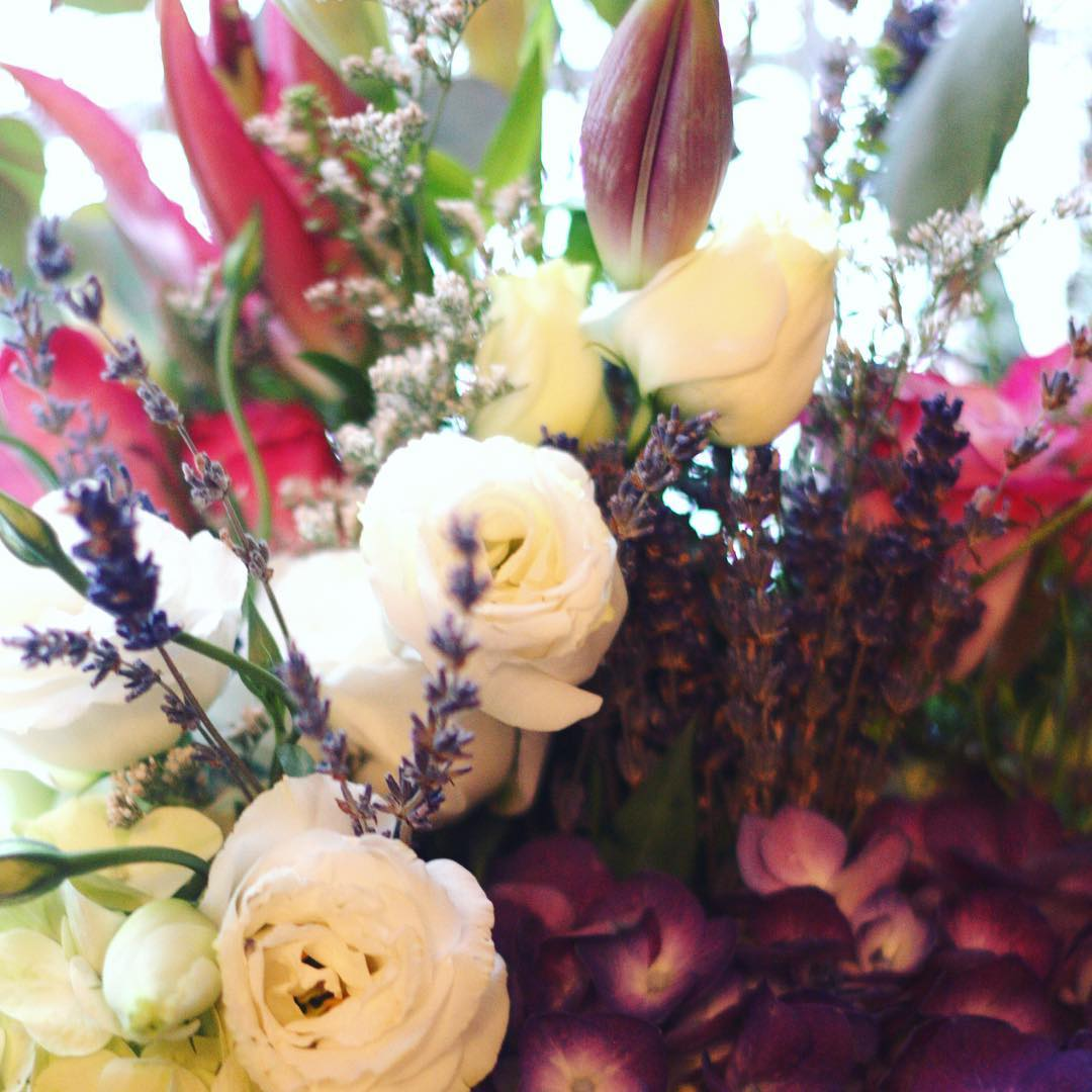 An uplifting bouquet of diverse florals is always good midweek!hellip